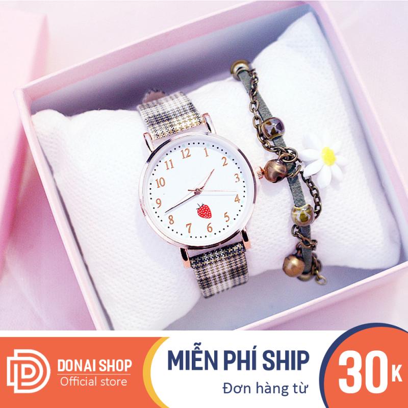 Đồng hồ thời trang nữ mặt tròn họa tiết hình dâu tây dây caro cực xinh bảo hành 6 tháng DONAI.B147