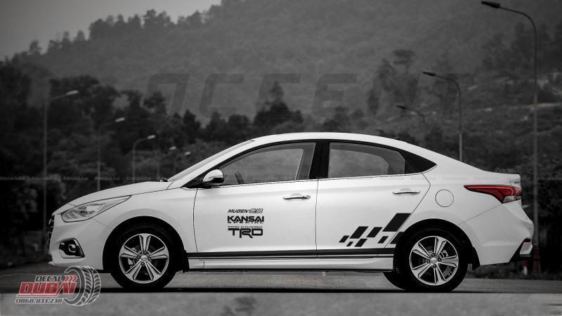 Tem Dán Xe Hyundai Accent Màu Trắng Thể Thao TRD