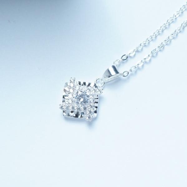 QMJ Dây chuyền bạc 925 cao cấp vuông nạm đá tinh tế thiết kế độc lạ, thích hợp với cô nàng thích sự độc và lạ trang sức thời trang nữ đẹp - QKL0370