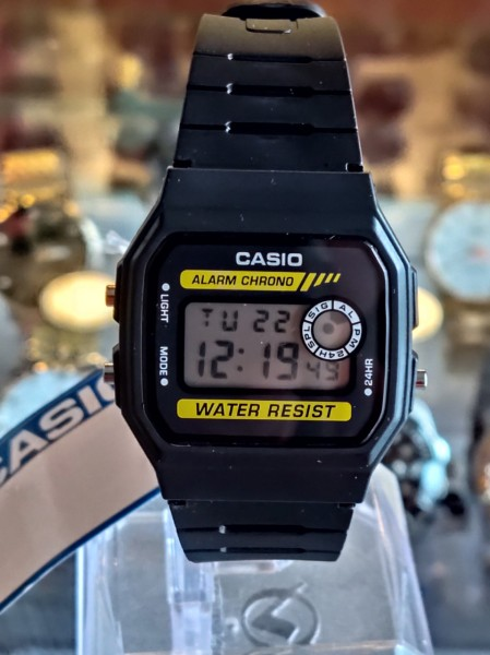 Nơi bán Đồng hồ nam nữ Casio F94 huyền thoại