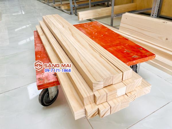[MS20] - Thanh gỗ thông vuông 4cm x 4cm x dài 120cm + láng mịn 4 mặt