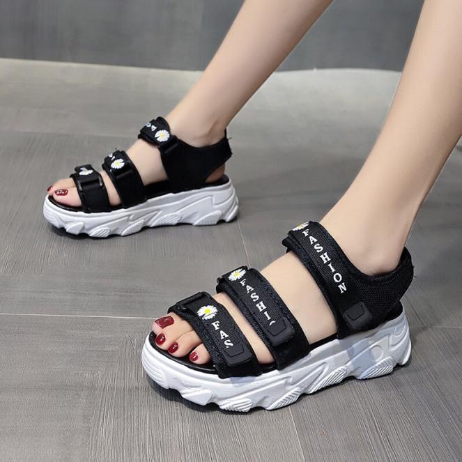 giày sandal học sinh, sandal quai hậu 3 quai dán, dép quai hậu học sinh thêu hoa cúc đế cực êm chân giá rẻ