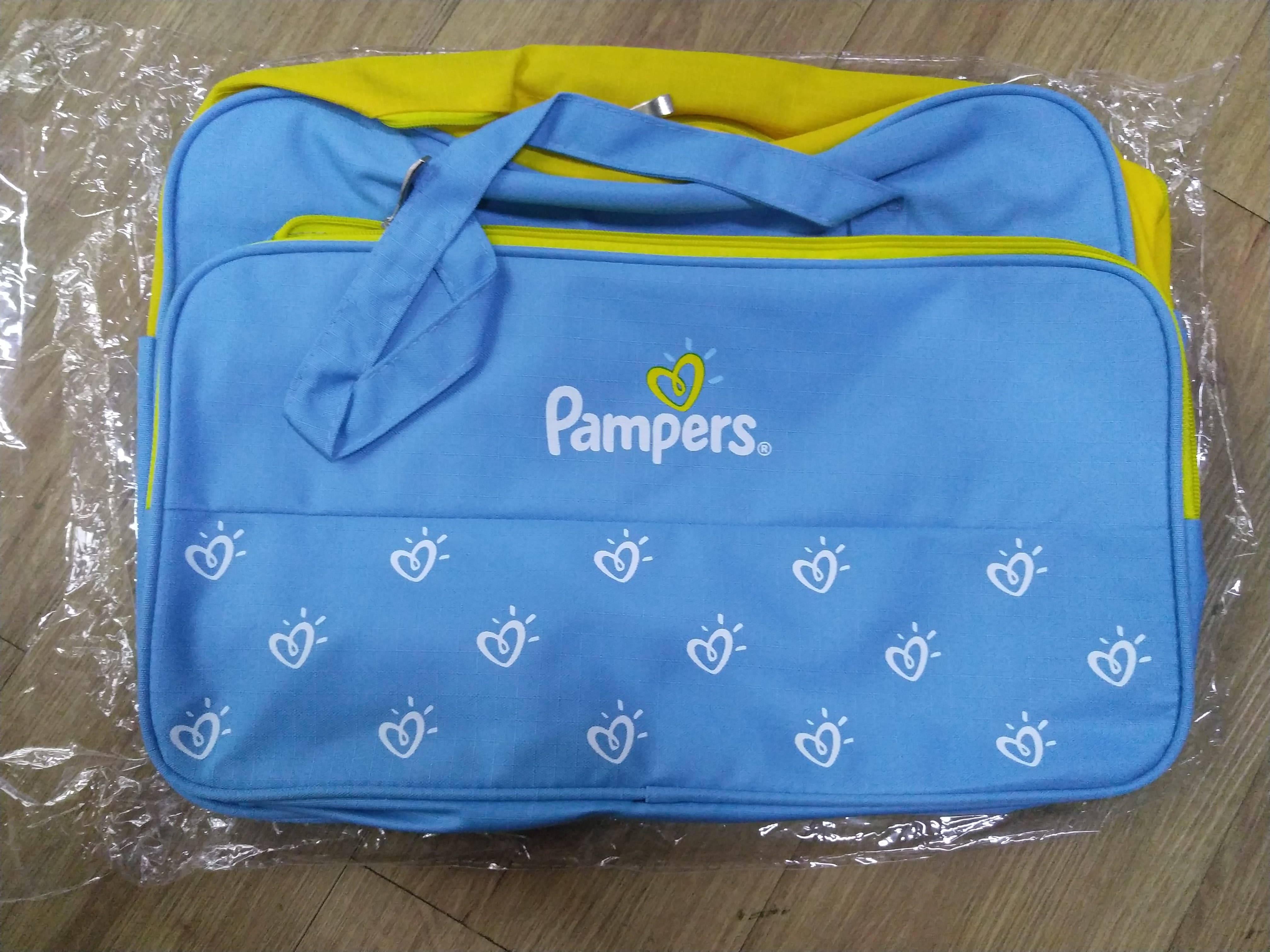 Túi xách mẹ và bé Pampers