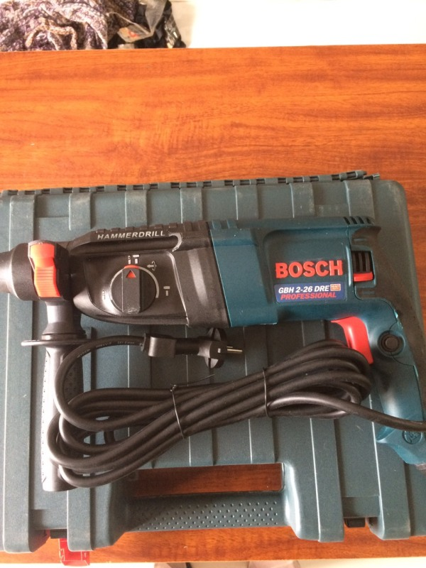 Máy khoan bê tông Bosch GBH 2-26DRE (800W)