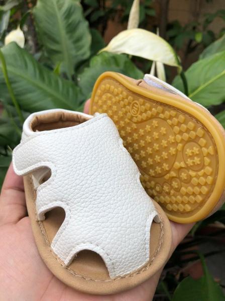 Giày sandal cá sấu trắng - Cho bé tập đi giá rẻ