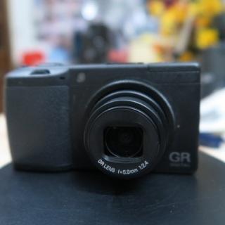 Máy ảnh Ricoh GR Digital II máy ảnh đường phố thumbnail