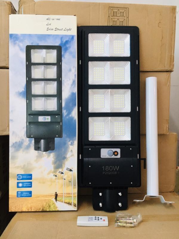 Đèn năng lượng mặt trời 180W có remote sáng liên tục chuyên công trình đèn đường, sân vườn, trụ cổng chống nước IP67