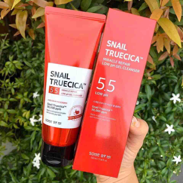 Sữa rửa mặt Snail Truecica Miracle Repair Low PH Gel Cleanser
