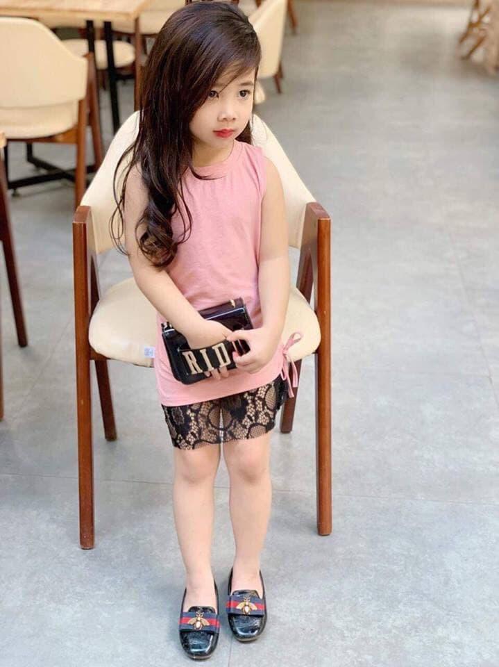 Giá bán Đầm thun phối chân ren bé gái xẻ lưng