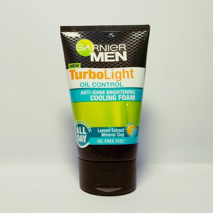 Sữa rửa mặt kiềm dầu sáng da Garnier Men TurboLight 100ml tốt nhất