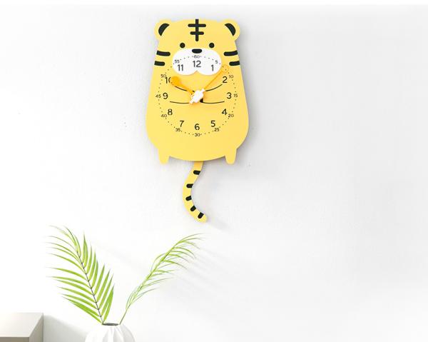 Nơi bán Đồng hồ treo tương, đồng hồ treo tường trang trí nhà cửa decor phòng con Hổ - Tiger wall clock