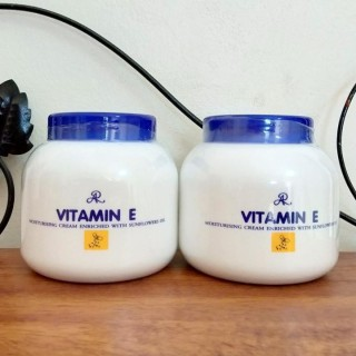 Kem Dưỡng Da Dưỡng Ẩm Vitamin E Thái Lan 200g, Mùi Hương Dịu Nhẹ, Cung Cấp Độ Ẩm Cho Da, Làm Mềm Da Hơn thumbnail