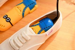HÀNG TỐT) -MÁY SẤY GIÀY KHỬ MÙI CHỐNG HÔI CHÂN, CHỐNG ĐỔ MỒ HÔI TIỆN LỢI VỚI THIẾT KẾ NHỎ GỌN DỄ DÀNG MANG THEO KHI ĐI CHƠI, DU LỊCH ,máy sấy khử mùi hôi cho giày thumbnail