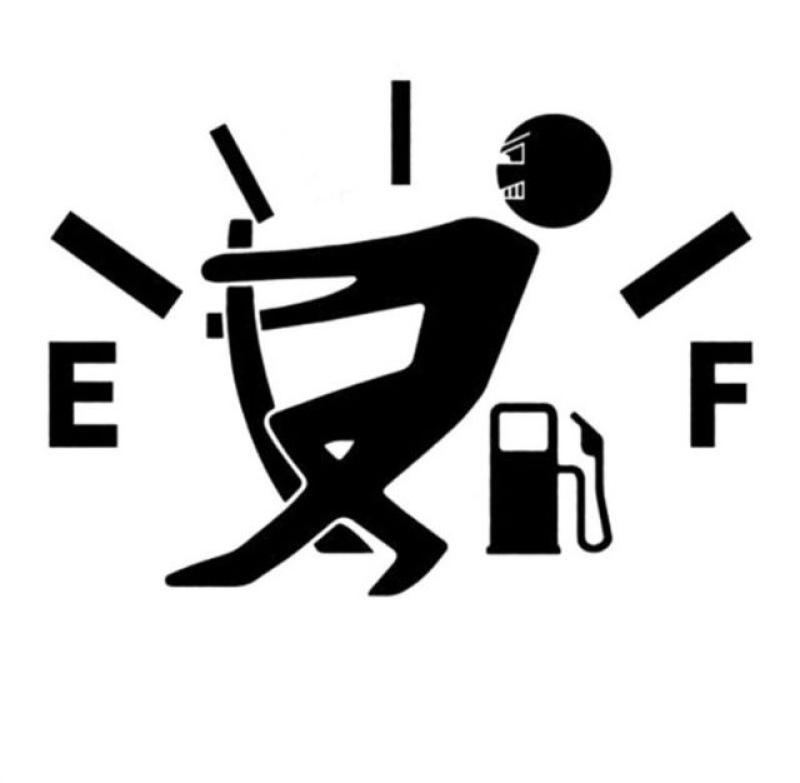 Tem dán nắp bình xăng xe ô tô 01