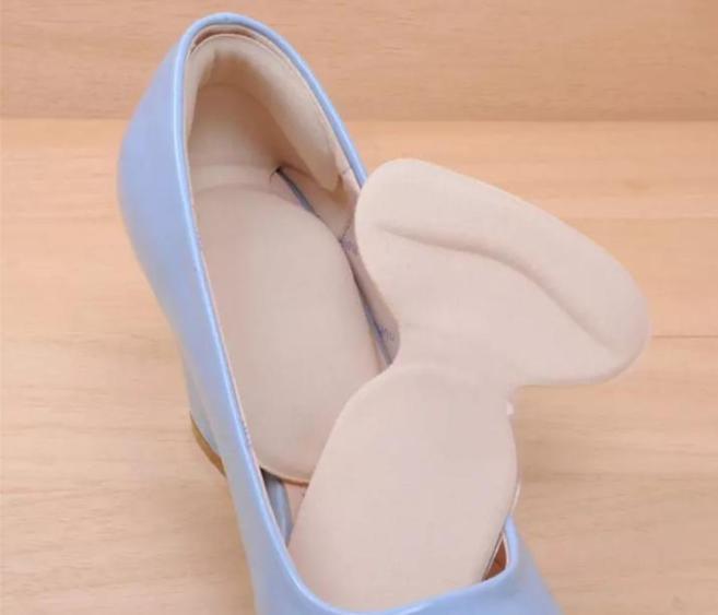 Cặp miếng dán lót giầy silicon giúp trầy sướt sau gót và giảm đau gót, free size giá rẻ