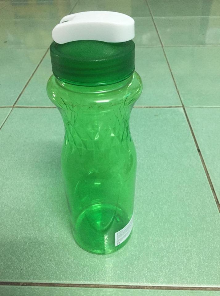 1 Bình đựng Nước Nhựa PET 100% Dung Tích 1 Lít Có Giá Cực Tốt