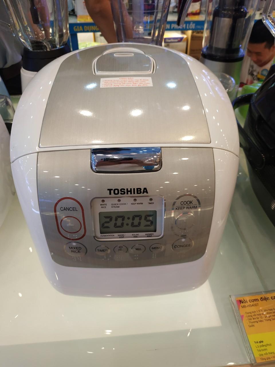 Offer Ưu Đãi Nồi Cơm điện Tử Toshiba 1.8 Lít RC-18NMF ( HÀNG TRƯNG BÀY ) Lòng Nồi Bằnghợp Kim Nhôm Tráng Chống DínhDiamond Titaniumbền Bỉ. Nồi Nấucơm Chín đều, Ngonvới Công Nghệ Nấu 3D. SX THAI LAN