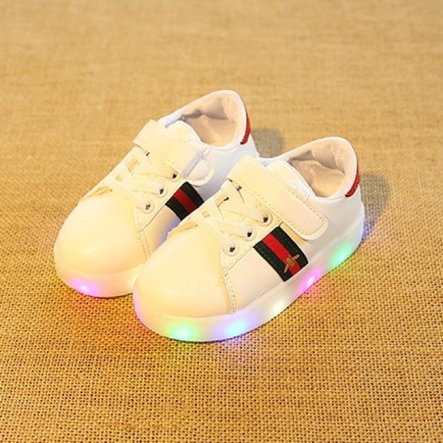 Giày thể thao có đèn LED cho bé trai và bé gái-giày tập đi cho bé có đèn led phát sáng giá rẻ