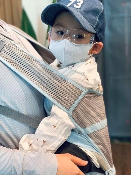 Giá bán Kính trong suốt đi đường trẻ em - Bảo vệ tốt cho bé khỏi bụi và côn trùng khi ngồi xe máy - 1 cỡ - Bảo hành uy tín 1 đổi 1