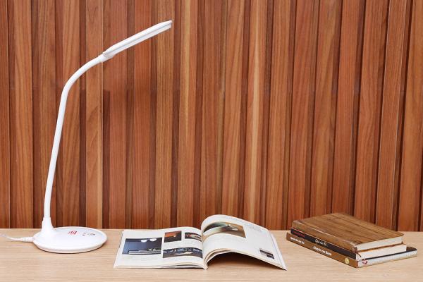 ĐÈN LED ĐỂ BÀN BẢO VỆ MẮT ĐIỆN QUANG ĐQ LDL05 3W, dùng để học làm việc văn phòng gia đình, thiết bị chiếu sáng hàng tốt cực bền, tiết kiệm năng lượng giá rẻ, hàng chính hãng cao cấp, đèn đọc sách học tập cực sáng bền