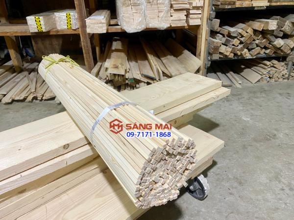 [MS115] - Combo 10 thanh gỗ thông vuông 1cm x 1cm x dài 120cm + bào láng 4 mặt