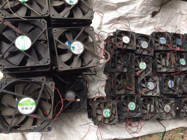 Giá Combo 2 Cái Quạt Fan tản nhiệt 12V 12x12x2Cm