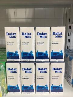 Lốc 4 hộp sữa tươi Dalat milk có đường ít đường 180ml thumbnail