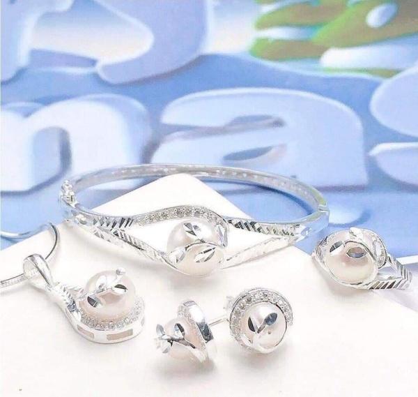 Bộ trang sức chế tác bạc đính Ngọc trai nuôi nước ngọt