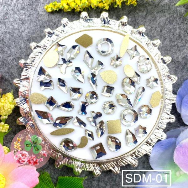 Mix size - Màu SDM01 trắng trong. Đá khối chân bằng siêu bắt sáng, đính dán móng.