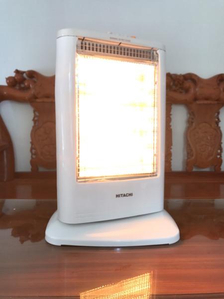 Quạt sưởi đèn sưởi Hitachi 3 Bóng DH 168 1200W