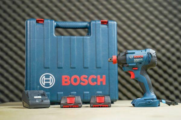 Máy vặn vít động lực dùng pin Bosch GDX 180-LI