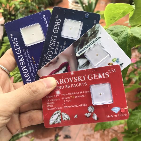 Đá đính răng giá rẻ vỉ made in Austria (kim cương nhân tạo gắn răng) Nhọn vỉ ngẫu nhiên,2.2/2.25 giá rẻ