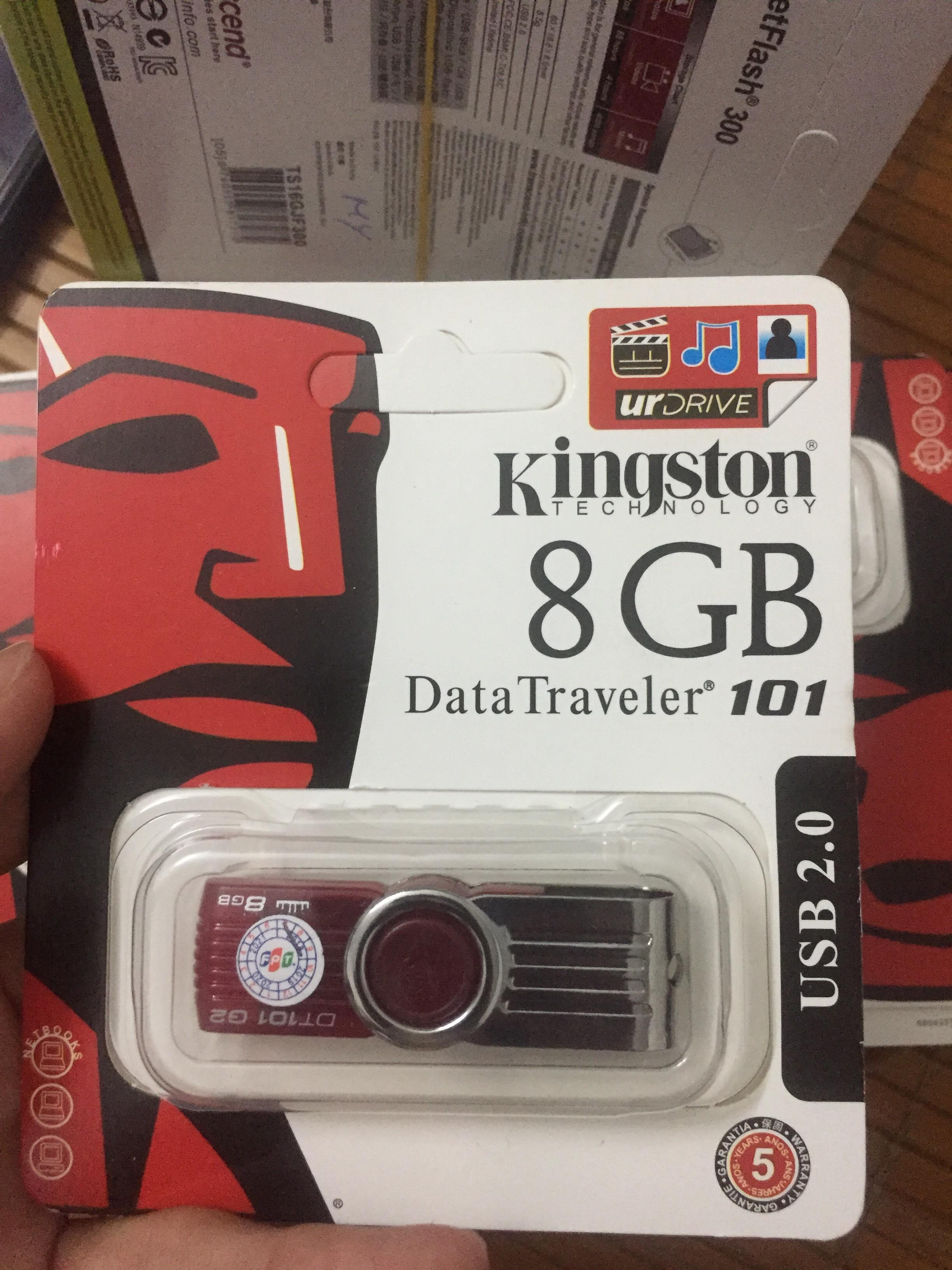 Deal Ưu Đãi USB 2.0 8GB Kingston