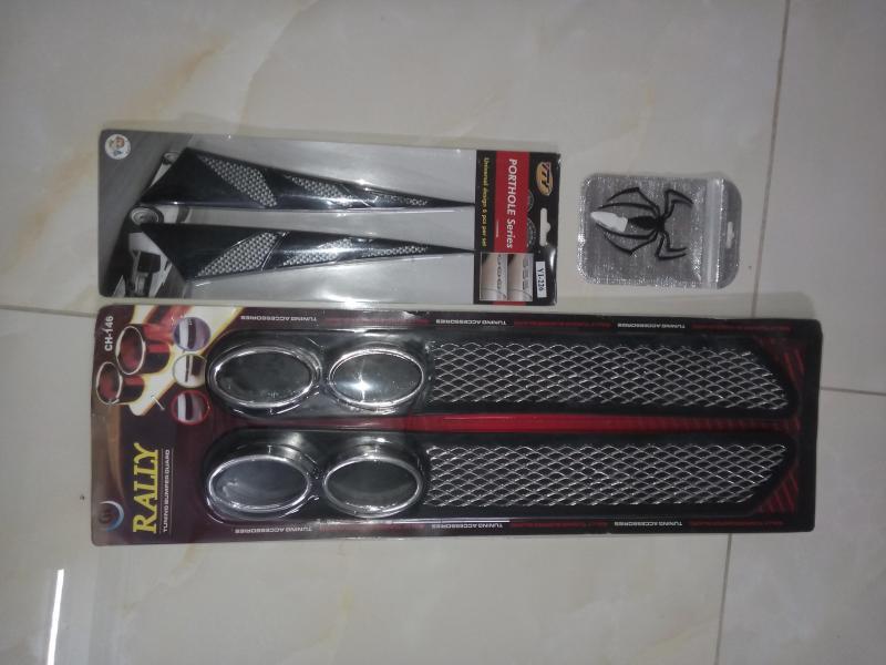COMBO (Bộ 03 sản phẩm): PÔ TRANG TRÍ ĐUÔI XE + THANH 3D TRANG TRÍ NẮP CAPÔ + STICKER 3D SPIDER