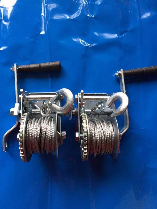Tời quay tay 600 LBS. Bộ 2 tời loại mới chịu tải 272kg hàng đẹp L1 ( cáp 8m, 1 móc và 2 khóa cáp