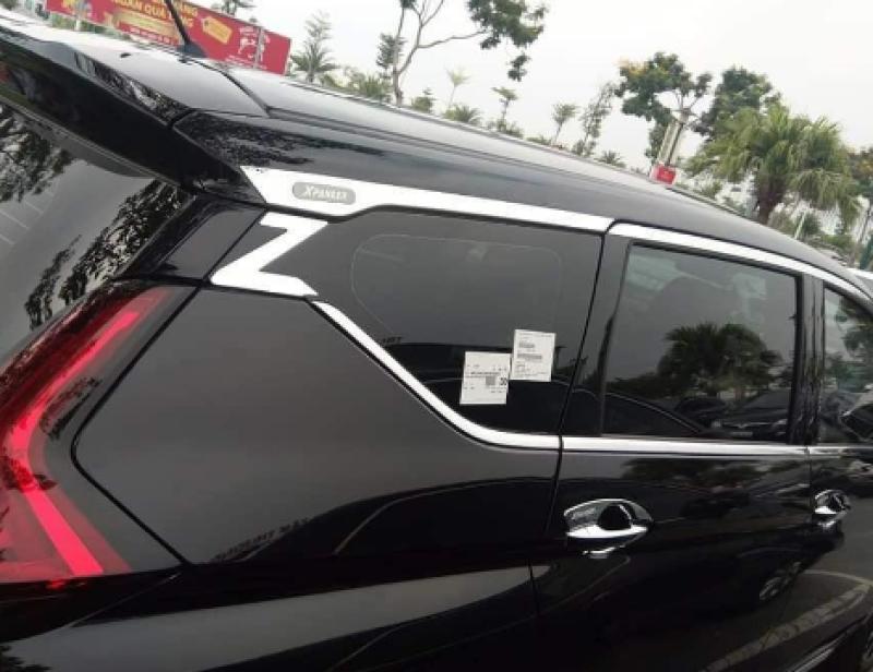 Bộ nẹp viền cong kính inox xe Mitsubishi Xpander 2019-2020 cao cấp có chữ Z