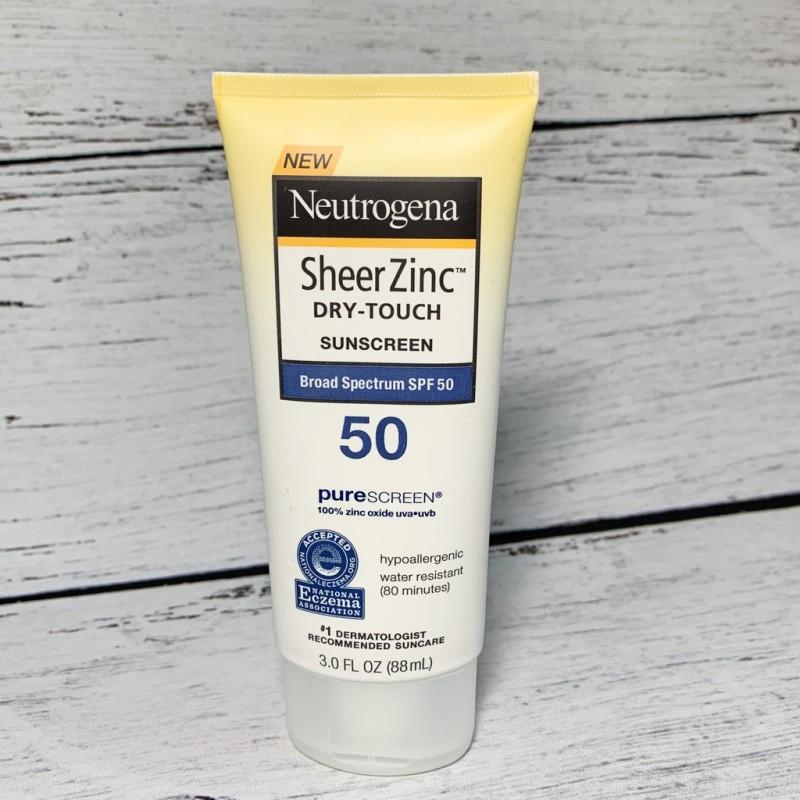 KEM CHỐNG NẮNG NEUTROGENA SHEER ZINC DRY TOUCH SPF 50 CHO DẦU NHẠY CẢM nhập khẩu