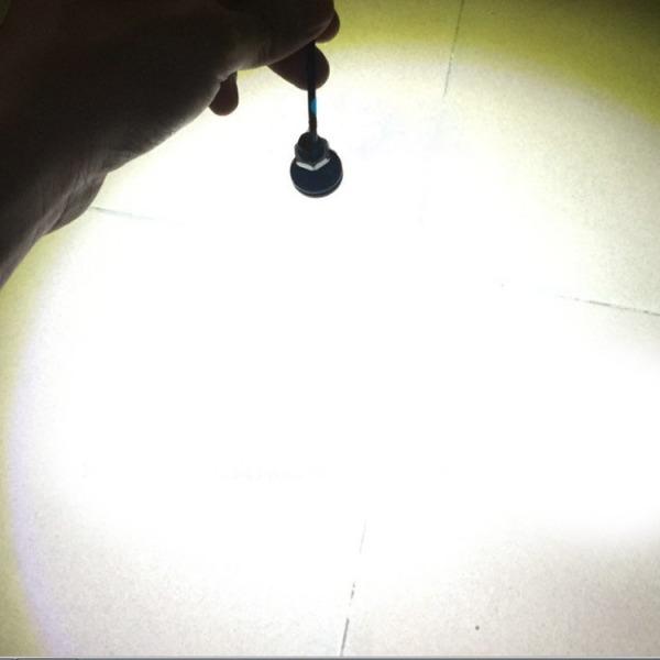 Bộ 2 đèn led nút áo lớn độ xe máy - Sáng Trắng