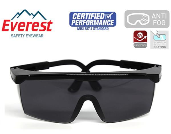 Giá bán Kính bảo hộ Everest vuông trong EV105 chống đọng sương, chống bụi, tia UV hóa chất bắn vào mắt
