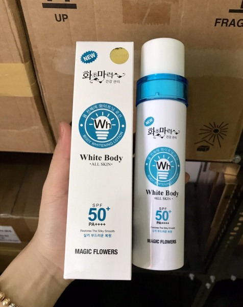 Xịt Chống Nắng Dưỡng Trắng Nâng Tone Da  White Body  SPF50+ 150ml Hàn Quốc