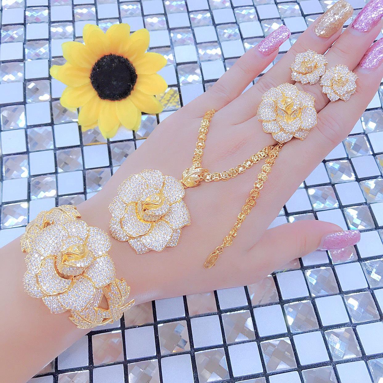 Trang Sức Bộ Hoa Lan - Givishop - B4090741 - vàng cưới, đồ trang sức vàng, nữ trang bộ vàng 18k, trang sức vàng, nữ trang vàng, bộ trang sức cưới vàng 18k, bộ vàng cưới, bộ trang sức vàng tây đẹp, bộ nữ trang cưới vàng 18k