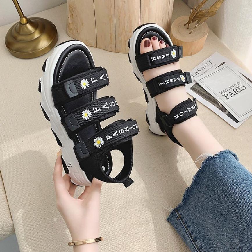 Dép sandal nữ 3 quai Fashion thêu hoa cúc thời trang 2020 giá rẻ
