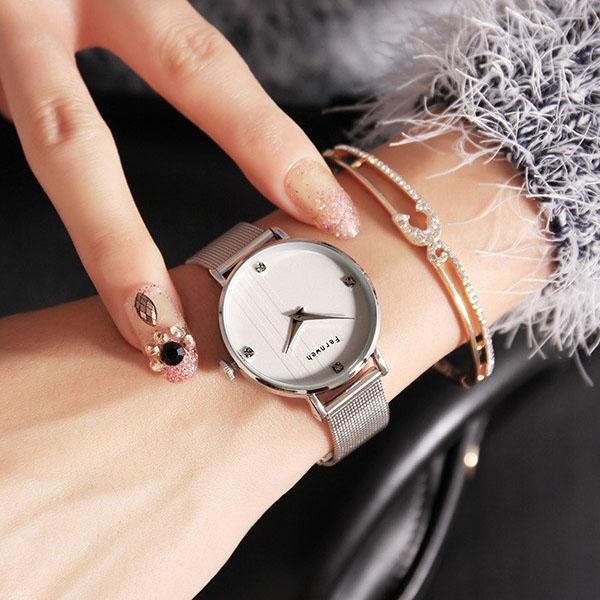 Đồng hồ nữ dây kim loại lưới bạc mặt tròn trắng sang chảnh ĐHĐ8802 + TẶNG LẮC TAY + 2 PIN NHẬT + FREE SHIP bán chạy