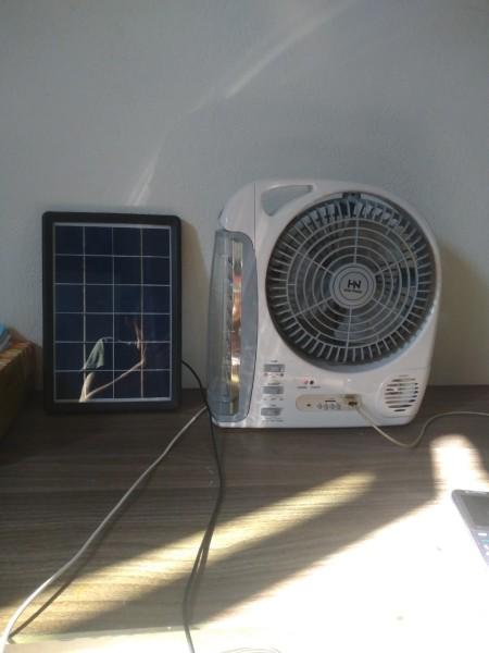 Quạt hộp tích điện năng lượng mặt trời TDH-01