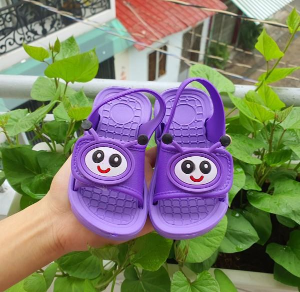 Giá bán Giày có quai cho bé gái- Giày cho bé gái 1 tuổi tập đi phía trước quai dán tiện dụng siêu nhẹ hình bé sâu con
