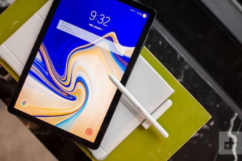 Máy tính bảng Samsung Galaxy Tab S4 10.5 inch - 4G LTE    Siêu hiệu năng Snapdragon 835    Cấu hình khủng ram 4/64 GB    Thiết kế tinh tế sắc bén    Giá rẻ chính hãng tại Zinmobile chính hãng