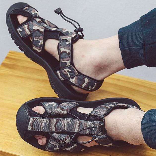 Giày Xăng Đan Thể Thao Nam Bít Mũi Sandal Nam Rọ Mũi giá rẻ