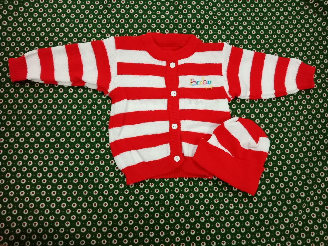 Bộ áo và nón len dành cho bé