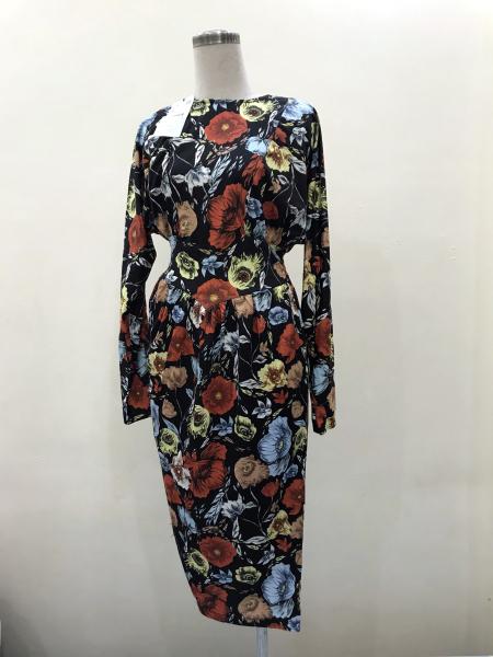 Đầm hoa nữ Zara phom size M, chất co dãn