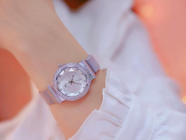 Đồng hồ nữ Bee Sister 1591 dây thép cao cấp, khóa nam châm, mặt tròn đính đá đa giác